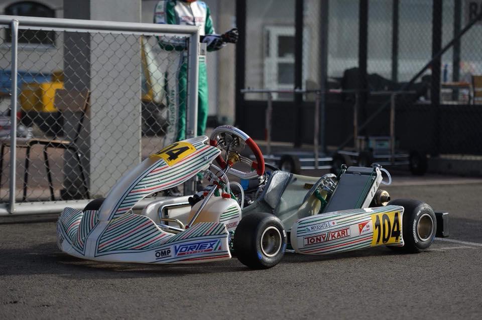 Z12.TONYKART RACER 401 R KZ